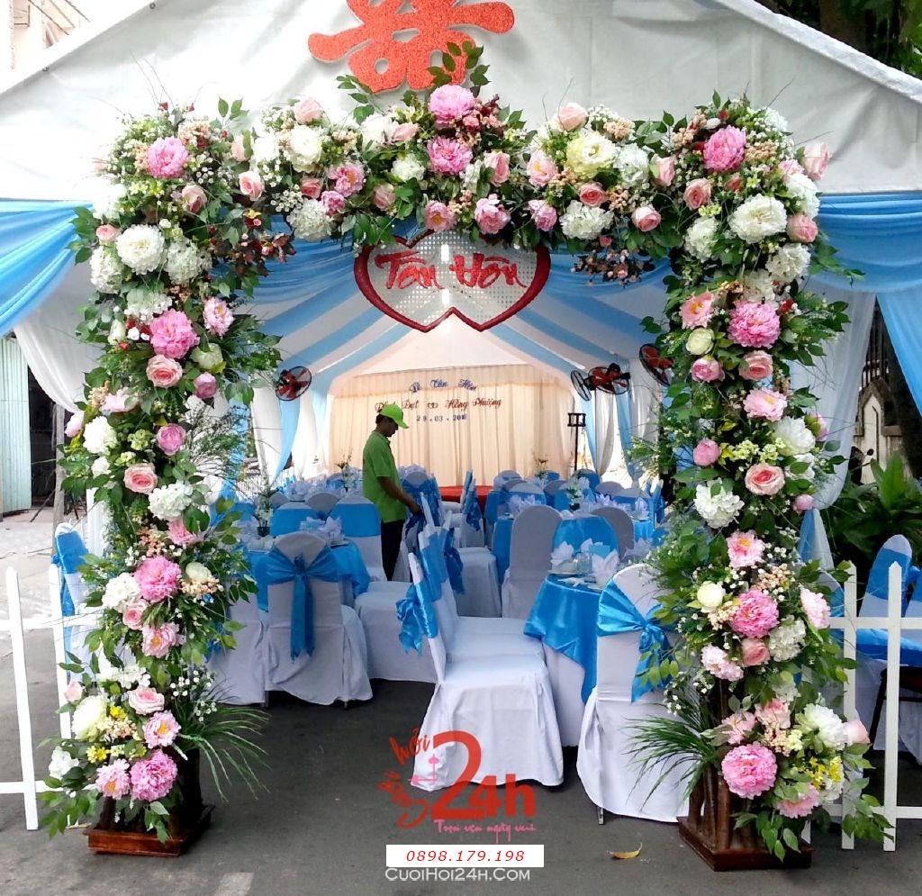 Dịch vụ cưới hỏi 24h trọn vẹn ngày vui chuyên trang trí nhà đám cưới hỏi và nhà hàng tiệc cưới | Cổng hoa tươi tông trắng hồng nhẹ nhàng