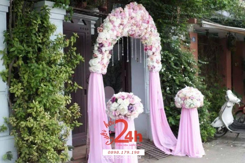 Dịch vụ cưới hỏi 24h trọn vẹn ngày vui chuyên trang trí nhà đám cưới hỏi và nhà hàng tiệc cưới | Cổng hoa vải màu hồng nhạt