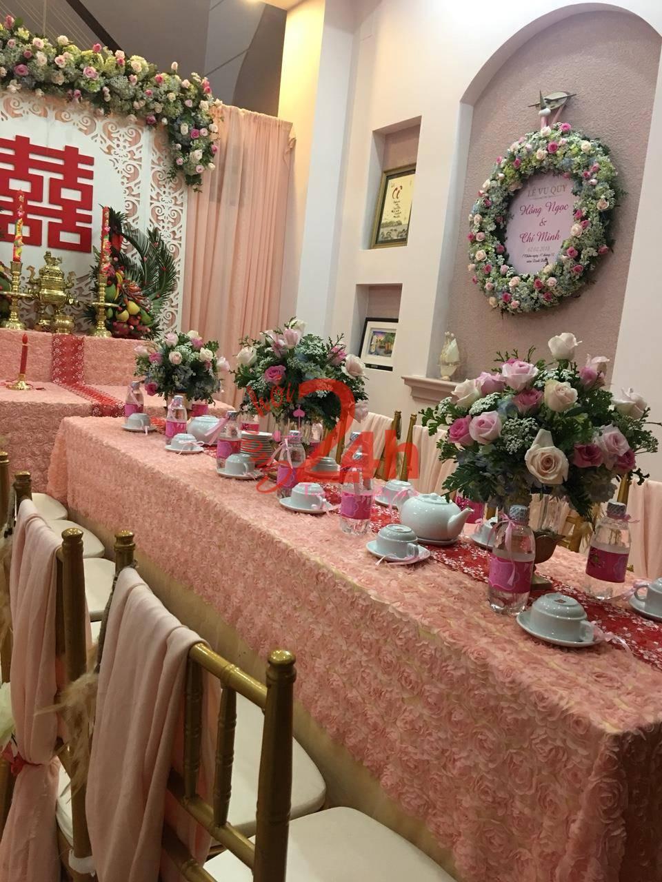 Dịch vụ cưới hỏi 24h trọn vẹn ngày vui chuyên trang trí nhà đám cưới hỏi và nhà hàng tiệc cưới | Hoa để bàn lễ cưới màu sắc tươi sáng