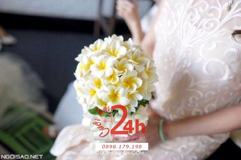Dịch vụ cưới hỏi 24h trọn vẹn ngày vui chuyên trang trí nhà đám cưới hỏi và nhà hàng tiệc cưới | Hoa sứ cầm tay