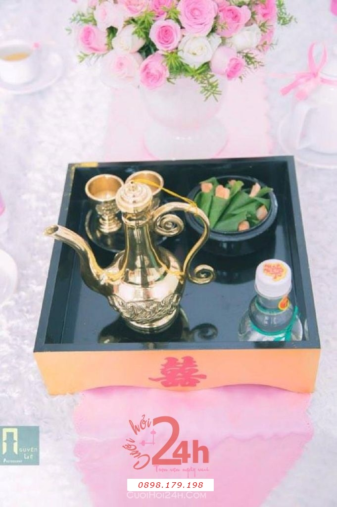 Dịch vụ cưới hỏi 24h trọn vẹn ngày vui chuyên trang trí nhà đám cưới hỏi và nhà hàng tiệc cưới | Khay trầu rượu