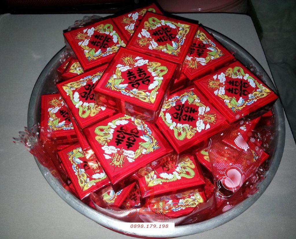 Dịch vụ cưới hỏi 24h trọn vẹn ngày vui chuyên trang trí nhà đám cưới hỏi và nhà hàng tiệc cưới | Mâm quả ngày cưới - bánh ngon đẹp gói giấy song hỷ màu đỏ