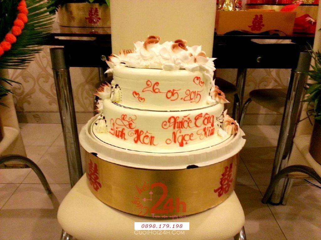 Dịch vụ cưới hỏi 24h trọn vẹn ngày vui chuyên trang trí nhà đám cưới hỏi và nhà hàng tiệc cưới | Mâm quả ngày cưới sơn mài - Bánh kem 2 tầng cho lễ đính hôn