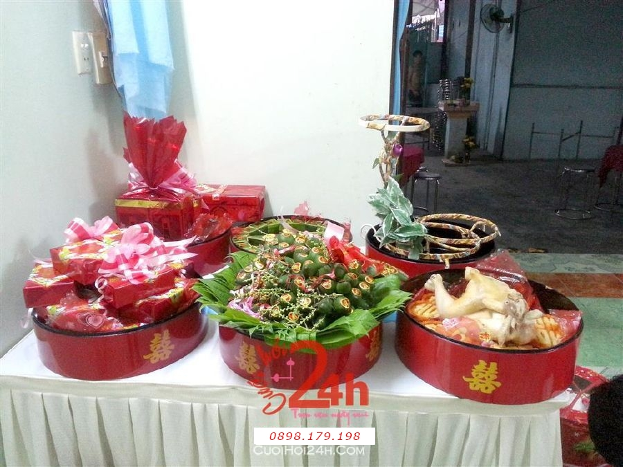 Dịch vụ cưới hỏi 24h trọn vẹn ngày vui chuyên trang trí nhà đám cưới hỏi và nhà hàng tiệc cưới | Mâm quả sơn mài cao cấp màu đỏ trọn bộ lễ vật