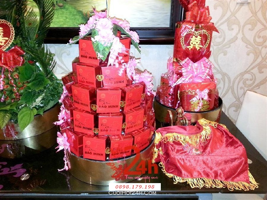 Dịch vụ cưới hỏi 24h trọn vẹn ngày vui chuyên trang trí nhà đám cưới hỏi và nhà hàng tiệc cưới | Mâm quả sơn mài cao cấp tông vàng đồng làm lễ vật ngày cưới hỏi