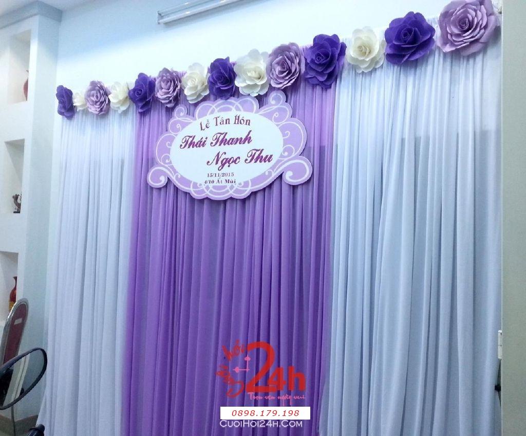 Dịch vụ cưới hỏi 24h trọn vẹn ngày vui chuyên trang trí nhà đám cưới hỏi và nhà hàng tiệc cưới   Phông cưới hoa giấy màu tím cà (1)