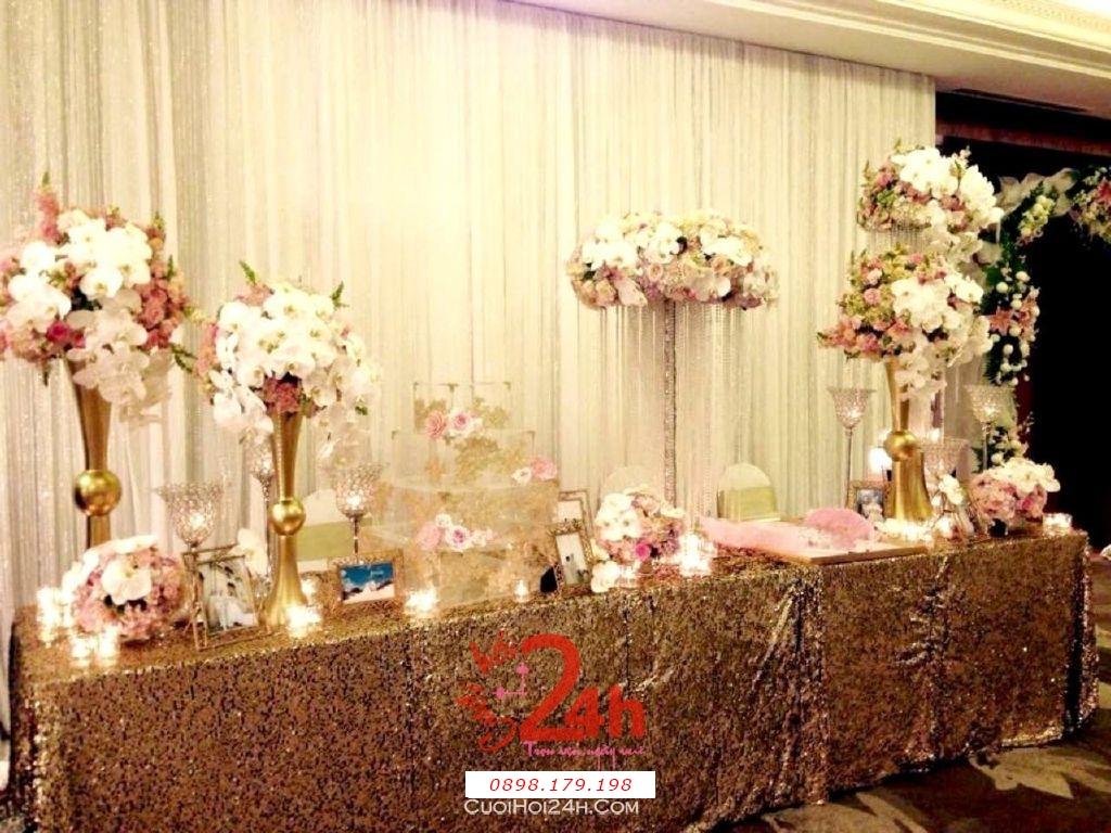 Dịch vụ cưới hỏi 24h trọn vẹn ngày vui chuyên trang trí nhà đám cưới hỏi và nhà hàng tiệc cưới | Trang trí bàn ký tên tong màu nhạt nhẹ nhàng sang trọng (2)