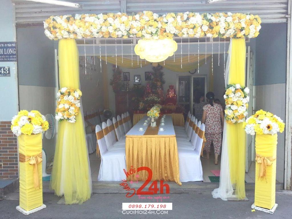 Dịch vụ cưới hỏi 24h trọn vẹn ngày vui chuyên trang trí nhà đám cưới hỏi và nhà hàng tiệc cưới | Trang trí cổng nhà đám cưới màu vàng