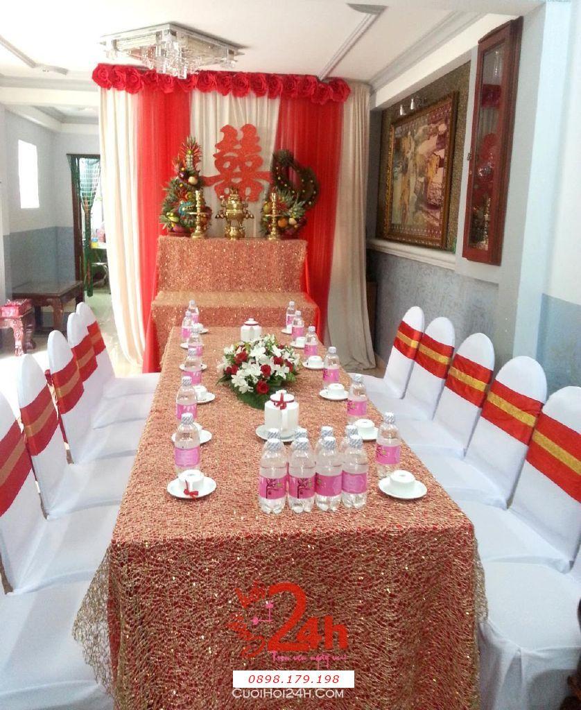 Dịch vụ cưới hỏi 24h trọn vẹn ngày vui chuyên trang trí nhà đám cưới hỏi và nhà hàng tiệc cưới | Trang trí nhà cưới hỏi tông đỏ vàng đặc biệt ấn tượng (1)