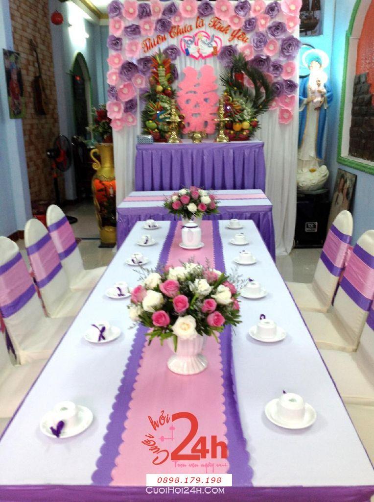 Dịch vụ cưới hỏi 24h trọn vẹn ngày vui chuyên trang trí nhà đám cưới hỏi và nhà hàng tiệc cưới | Trang trí nhà cưới hỏi tông hồng hồng lãng mạn với bàn thờ hoa giấy và hoa tươi rồng phụng (1)