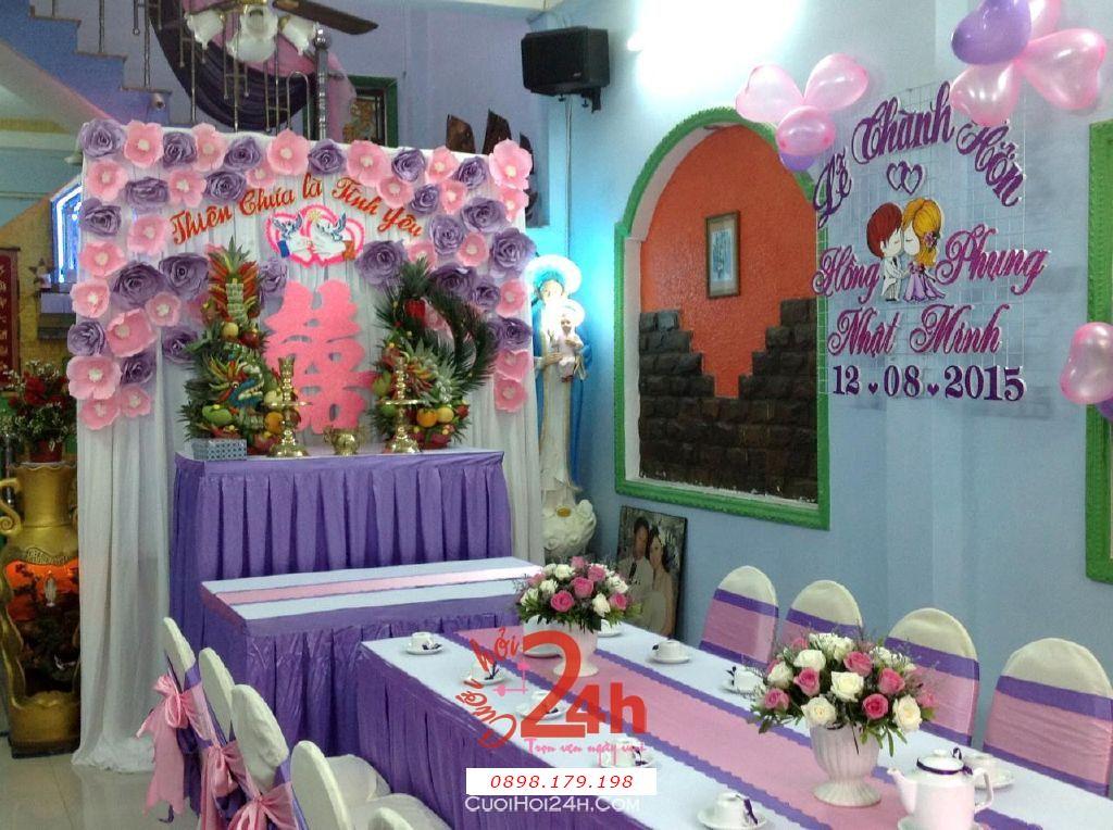 Dịch vụ cưới hỏi 24h trọn vẹn ngày vui chuyên trang trí nhà đám cưới hỏi và nhà hàng tiệc cưới | Trang trí nhà cưới hỏi tông hồng hồng lãng mạn với bàn thờ hoa giấy và hoa tươi rồng phụng (4)