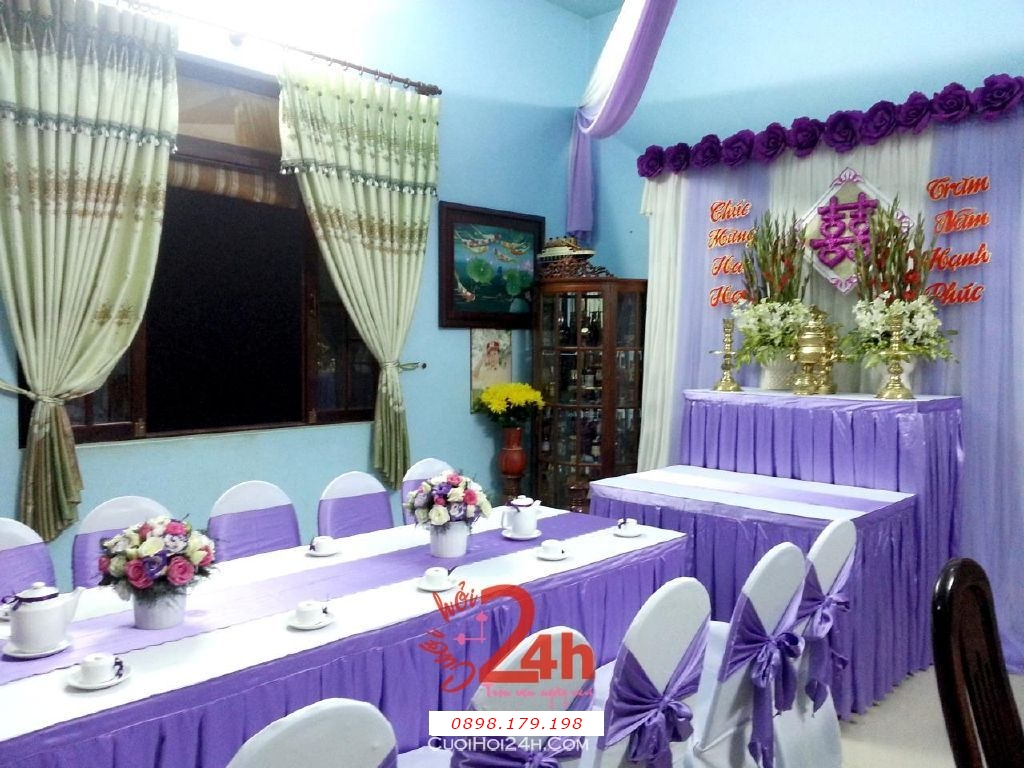 Dịch vụ cưới hỏi 24h trọn vẹn ngày vui chuyên trang trí nhà đám cưới hỏi và nhà hàng tiệc cưới | Trang trí nhà đám cưới tông tím lãng mạn (1)