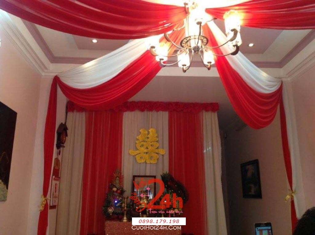 Dịch vụ cưới hỏi 24h trọn vẹn ngày vui chuyên trang trí nhà đám cưới hỏi và nhà hàng tiệc cưới | Trang trí trần nhà ngày cưới với voan trắng đỏ
