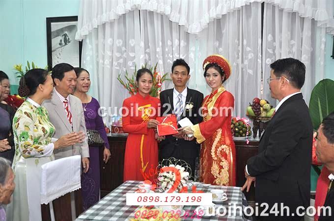 Dịch vụ cưới hỏi 24h trọn vẹn ngày vui chuyên trang trí nhà đám cưới hỏi và nhà hàng tiệc cưới | Cho thuê người đại diện hai họ