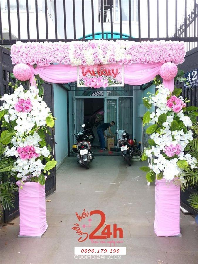 Dịch vụ cưới hỏi 24h trọn vẹn ngày vui chuyên trang trí nhà đám cưới hỏi và nhà hàng tiệc cưới | Cổng hoa tươi 19 màu trắng hồng nền nã, dễ thương