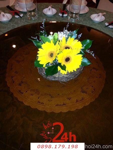 Dịch vụ cưới hỏi 24h trọn vẹn ngày vui chuyên trang trí nhà đám cưới hỏi và nhà hàng tiệc cưới | Hoa để bàn tiệc cưới