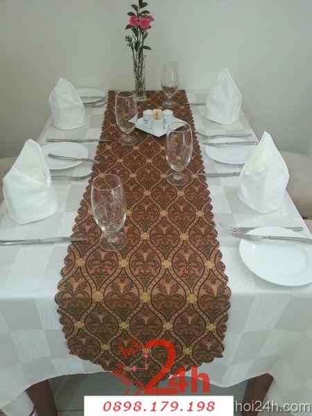 Dịch vụ cưới hỏi 24h trọn vẹn ngày vui chuyên trang trí nhà đám cưới hỏi và nhà hàng tiệc cưới | Bàn ghế cưới hỏi tông trắng sang trọng cho tiệc cưới nhà hàng