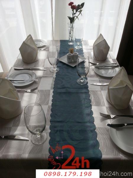 Dịch vụ cưới hỏi 24h trọn vẹn ngày vui chuyên trang trí nhà đám cưới hỏi và nhà hàng tiệc cưới | Bàn ghế cưới hỏi tông trắng xanh