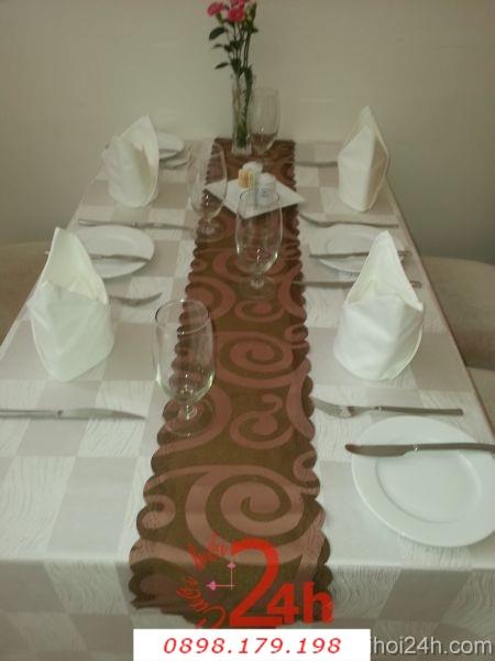 Dịch vụ cưới hỏi 24h trọn vẹn ngày vui chuyên trang trí nhà đám cưới hỏi và nhà hàng tiệc cưới | Bàn ghế cưới hỏi tông trắng vàng