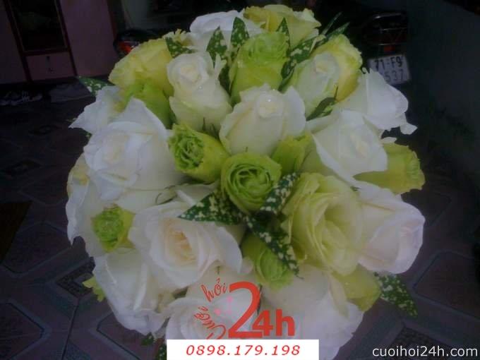 Dịch vụ cưới hỏi 24h trọn vẹn ngày vui chuyên trang trí nhà đám cưới hỏi và nhà hàng tiệc cưới | Hoa cầm tay cô dâu 124