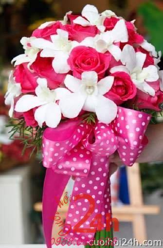 24h chuyên dịch vụ cưới hỏi: trang trí nhà đám cưới hỏi, nhà hàng tiệc cưới, nhân sự bưng mâm quả, cổng hoa, xe hoa, cắt dán chữ và tin tức cưới hỏi: đám cưới sao, lập kế hoạch cưới, làm đẹp ngày cưới - Hoa cầm tay cô dâu 129