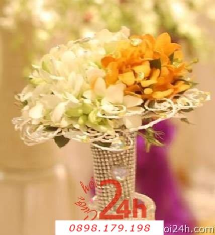 Dịch vụ cưới hỏi 24h trọn vẹn ngày vui chuyên trang trí nhà đám cưới hỏi và nhà hàng tiệc cưới | Hoa cầm tay cô dâu 131