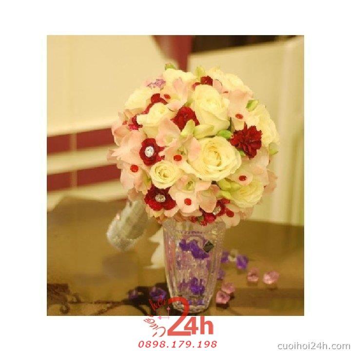 Dịch vụ cưới hỏi 24h trọn vẹn ngày vui chuyên trang trí nhà đám cưới hỏi và nhà hàng tiệc cưới | Hoa cầm tay cô dâu 140