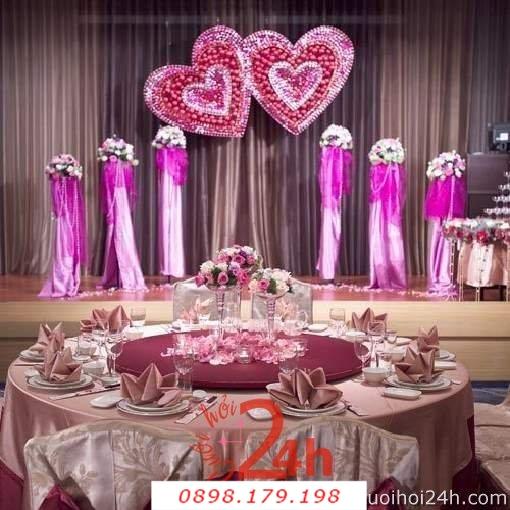 Dịch vụ cưới hỏi 24h trọn vẹn ngày vui chuyên trang trí nhà đám cưới hỏi và nhà hàng tiệc cưới | Hoa để bàn 12