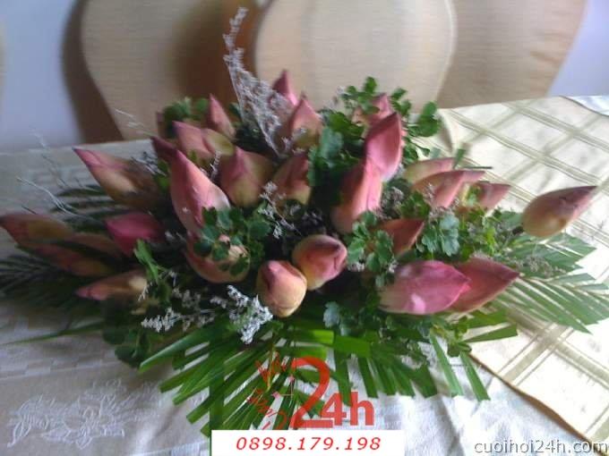 Dịch vụ cưới hỏi 24h trọn vẹn ngày vui chuyên trang trí nhà đám cưới hỏi và nhà hàng tiệc cưới | Hoa để bàn 14
