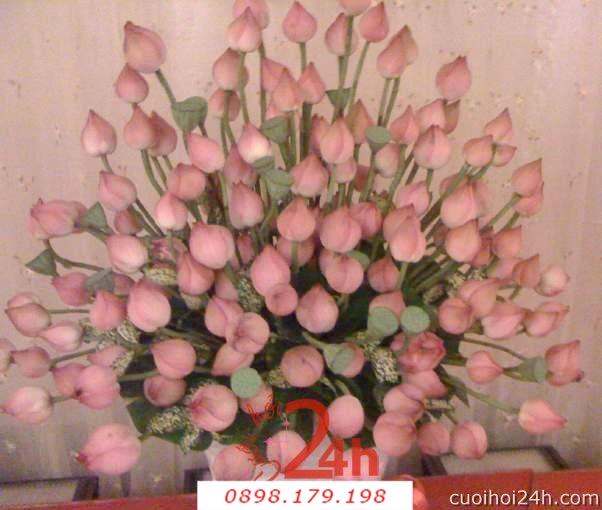 Dịch vụ cưới hỏi 24h trọn vẹn ngày vui chuyên trang trí nhà đám cưới hỏi và nhà hàng tiệc cưới | Hoa để bàn 15