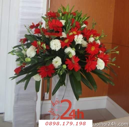 Dịch vụ cưới hỏi 24h trọn vẹn ngày vui chuyên trang trí nhà đám cưới hỏi và nhà hàng tiệc cưới | Hoa để bàn 18