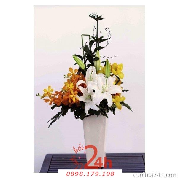 Dịch vụ cưới hỏi 24h trọn vẹn ngày vui chuyên trang trí nhà đám cưới hỏi và nhà hàng tiệc cưới | Hoa để bàn 19