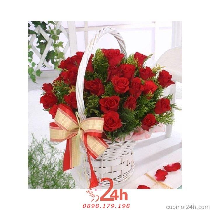 Dịch vụ cưới hỏi 24h trọn vẹn ngày vui chuyên trang trí nhà đám cưới hỏi và nhà hàng tiệc cưới | Hoa để bàn 21