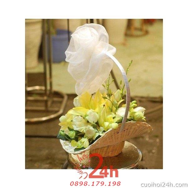 Dịch vụ cưới hỏi 24h trọn vẹn ngày vui chuyên trang trí nhà đám cưới hỏi và nhà hàng tiệc cưới | Hoa để bàn 22