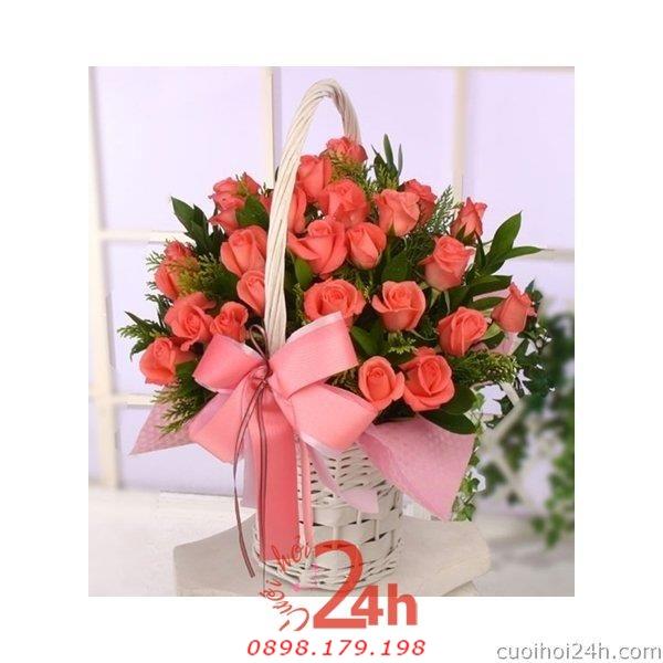 Dịch vụ cưới hỏi 24h trọn vẹn ngày vui chuyên trang trí nhà đám cưới hỏi và nhà hàng tiệc cưới | Hoa để bàn 23