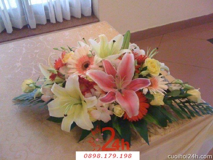 Dịch vụ cưới hỏi 24h trọn vẹn ngày vui chuyên trang trí nhà đám cưới hỏi và nhà hàng tiệc cưới | Hoa để bàn 33