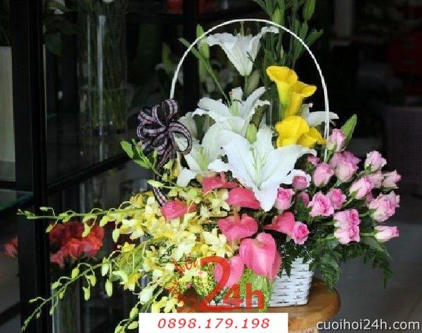 Dịch vụ cưới hỏi 24h trọn vẹn ngày vui chuyên trang trí nhà đám cưới hỏi và nhà hàng tiệc cưới | Hoa để bàn 37