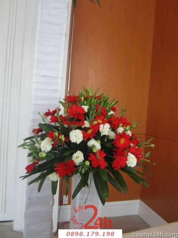 Dịch vụ cưới hỏi 24h trọn vẹn ngày vui chuyên trang trí nhà đám cưới hỏi và nhà hàng tiệc cưới | Hoa để bàn 40