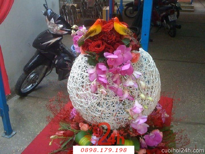 Dịch vụ cưới hỏi 24h trọn vẹn ngày vui chuyên trang trí nhà đám cưới hỏi và nhà hàng tiệc cưới | Hoa trang trí tiệc cưới 51