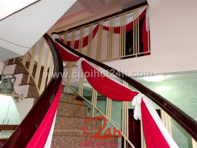 Dịch vụ cưới hỏi 24h trọn vẹn ngày vui chuyên trang trí nhà đám cưới hỏi và nhà hàng tiệc cưới | Trang trí cầu thang