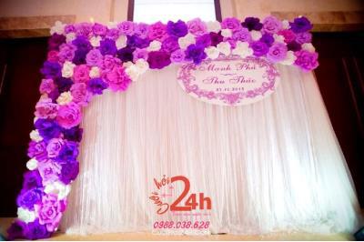 Dịch vụ cưới hỏi 24h trọn vẹn ngày vui chuyên trang trí nhà đám cưới hỏi và nhà hàng tiệc cưới | Backdrop hoa giấy tông tím hồng dễ thương