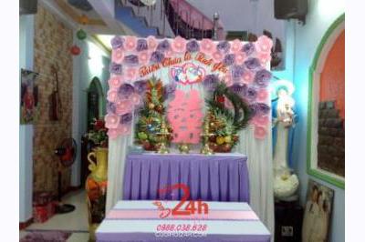 Dịch vụ cưới hỏi 24h trọn vẹn ngày vui chuyên trang trí nhà đám cưới hỏi và nhà hàng tiệc cưới | Bàn thờ gia tiên ngày cưới tông tím hồng trang nhã với hoa giấy và rồng phụng (1)