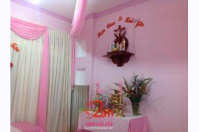 Dịch vụ cưới hỏi 24h trọn vẹn ngày vui chuyên trang trí nhà đám cưới hỏi và nhà hàng tiệc cưới | Bàn thờ gia tiên trang trí trong ngày cưới tông màu hồng phấn (2)
