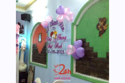 Dịch vụ cưới hỏi 24h trọn vẹn ngày vui chuyên trang trí nhà đám cưới hỏi và nhà hàng tiệc cưới | Cắt dán chữ xốp đẹp cho lễ thành hôn màu tím hồng trang trí bong bóng xung quanh