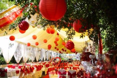 Dịch vụ cưới hỏi 24h trọn vẹn ngày vui chuyên trang trí nhà đám cưới hỏi và nhà hàng tiệc cưới | Cho thuê bàn ghế tông màu đỏ (4)
