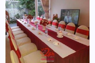 Dịch vụ cưới hỏi 24h trọn vẹn ngày vui chuyên trang trí nhà đám cưới hỏi và nhà hàng tiệc cưới | Cho thuê bàn ghế tông màu đỏ đô