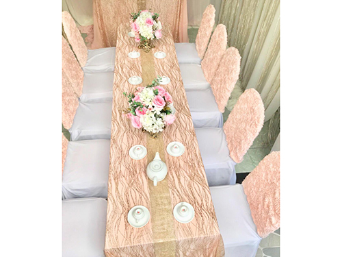 Dịch vụ cưới hỏi 24h trọn vẹn ngày vui chuyên trang trí nhà đám cưới hỏi và nhà hàng tiệc cưới | Uê ghế dựa màu hồng đào rất êm