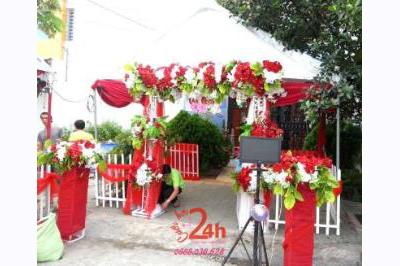 Dịch vụ cưới hỏi 24h trọn vẹn ngày vui chuyên trang trí nhà đám cưới hỏi và nhà hàng tiệc cưới | Cho thuê rạp cưới voan hàng rào tông đỏ song hỷ (1)