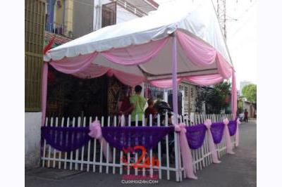 Dịch vụ cưới hỏi 24h trọn vẹn ngày vui chuyên trang trí nhà đám cưới hỏi và nhà hàng tiệc cưới | Cho thuê rạp cưới voan hàng rào tông tím hồng dễ thương (2)