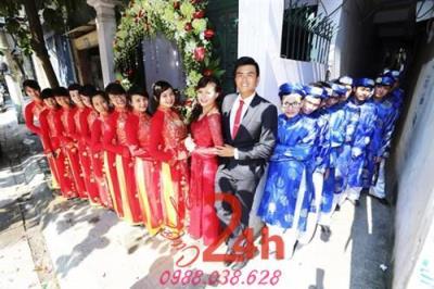 Dịch vụ cưới hỏi 24h trọn vẹn ngày vui chuyên trang trí nhà đám cưới hỏi và nhà hàng tiệc cưới | Cho thuê đội ngũ bưng mâm quả mặc đồng phục áo dài đỏ xanh dương